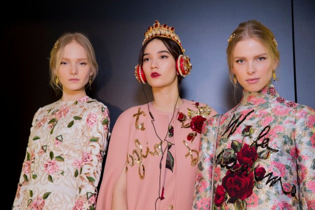 dolce-and-gabbana-fw-2015-backstage-29